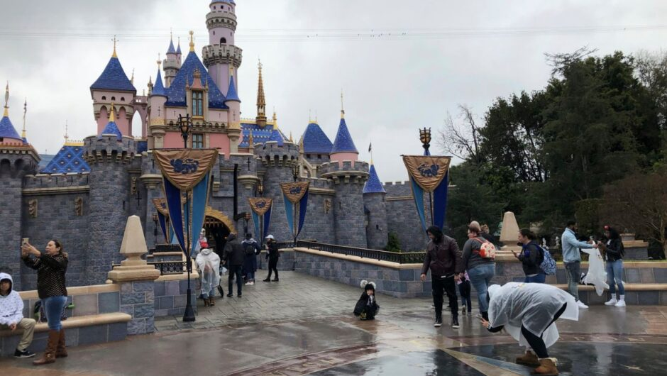 When will Disneyland reopen? COVID-19 surge keeps California theme parks in limbo