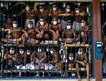 Gangsters in El Salvador are locked up for Covid-19 inspections